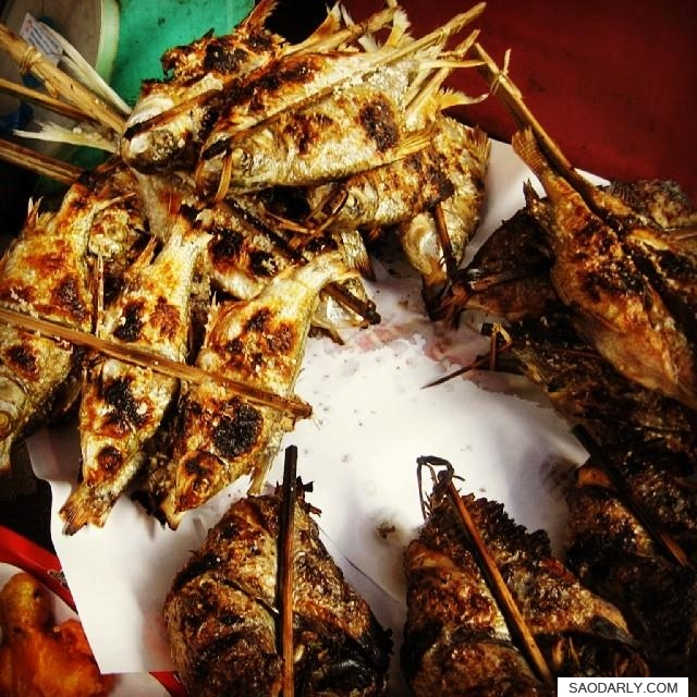 grilled fish in Laos